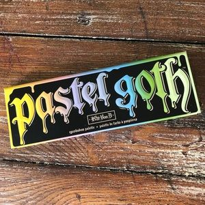 Kat Von D Pastel Goth Palette Limited Edition